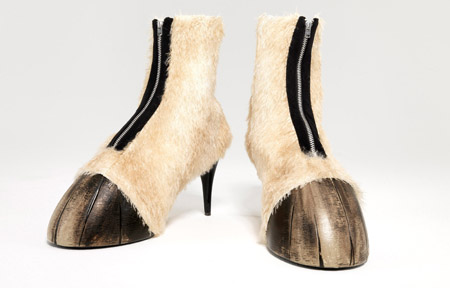 Hoofshoes1